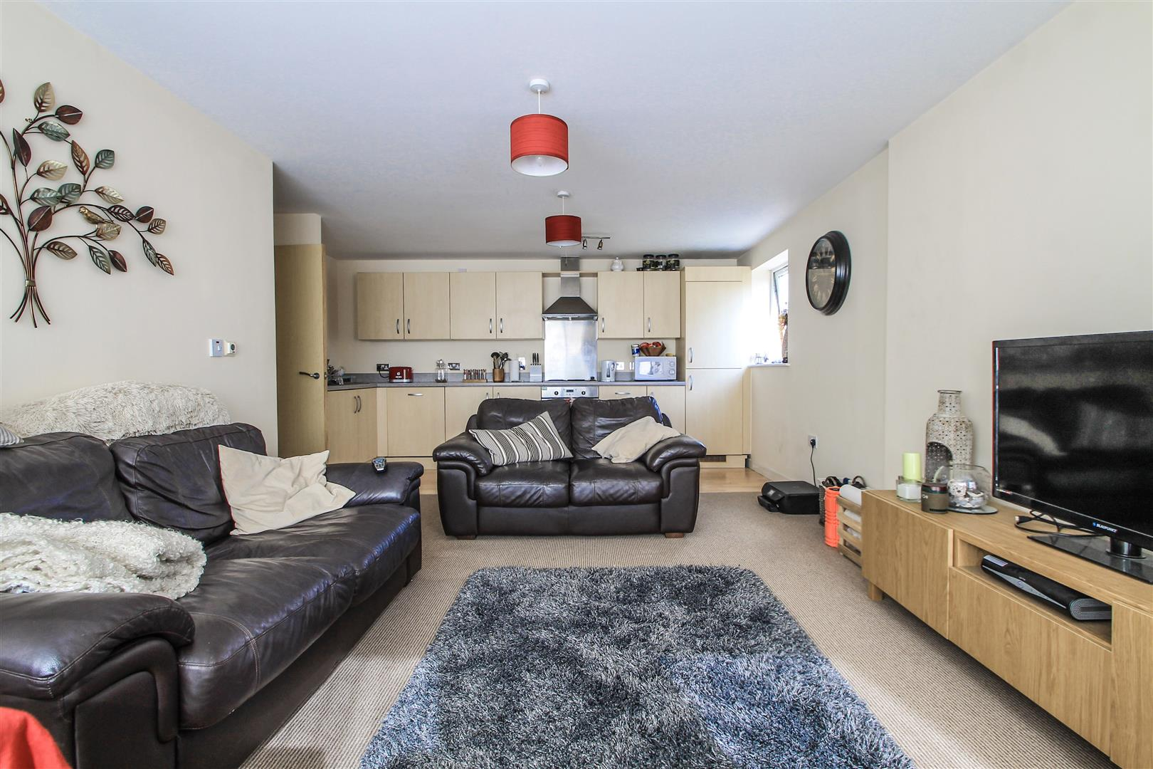 2 Bedrooms Apartment Flat for sale in Reresby Court, Heol Glan Rheidol, Cardiff